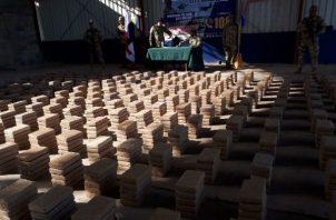La presunta droga estaba embalada en 53 bultos.