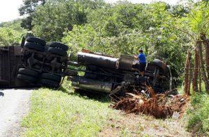 Se presume que el camión viajaba a exceso de velocidad por ese sector. Foto: Melquíades Vásquez.