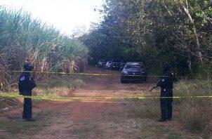 Luego de ser notificados, unidades de la Policía Nacional se presentaron al lugar y acordonaron el área.