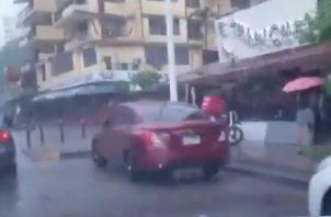 La Alcaldía de Panamá utilizó su cuenta de Twitter para probar que la Vía Argentina no se inundó.