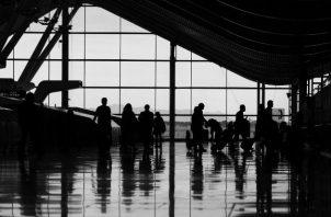 No hay pasaje ida y vuelta, todos viajan al mismo lugar con la diferencia de que su destino dependerá de cómo haya sido su tiempo de vida aquí. Foto: EFE.