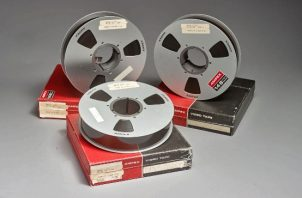 las bobinas de los tres vídeos originales de la primera caminata del hombre en la luna, grabados ese día del 20 de julio de 1969, que fueron subastados por $1.8 millones. FOTO/EFE
