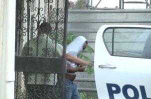"""Momentos cuando """"Pupin"""" era traslado a la cárcel de David. Foto: Mayra Madrid."""