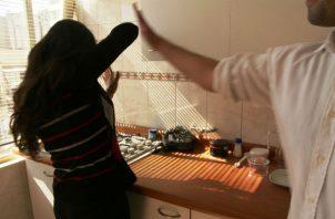 Un hombre le muerde la ingle a su mujer por revisarle el celular en San Miguelito. Foto: Panamá América.