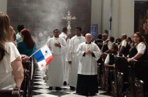 A la eucaristía no solo acudieron candidatos presidenciales. Hubo representación por la alcaldía de San Miguelito y diputados de Panamá Centro. Foto de Yaissel Urieta Moreno