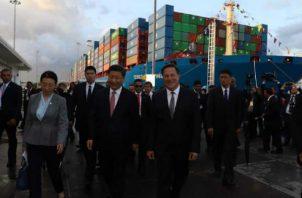 El mandatario de China Popular, el segundo usuario más importante del Canal de Panamá, visitó las esclusas de Cocolí para completar su visita a nuestro país. Víctor Arosemena