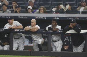 Los jugadores de los Yanquis no dan crédito a lo que ven. Foto EFE