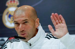Zidane da pistas sobre las futuras contrataciones.