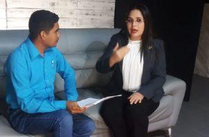 "Zulay Rodríguez en ""live"" para Panamá América. Adiel Bonilla"
