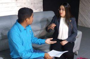 La diputada Zulay Rodríguez estuvo de visita hoy en el Grupo Epasa, donde explicó su anteproyecto de Ley que regula el control migratorio.