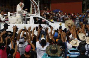 Recorrido del papa Francisco al corregimiento de Las Garzas. Foto:AP/EFE