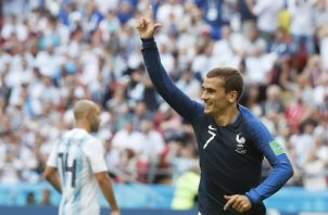 Antoine Griezmann celebra su gol de penal ante Argentina. Foto EFE
