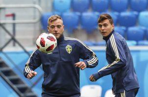 John Guidetti durante el entrenamiento de la selección de Suecia. Foto EFE