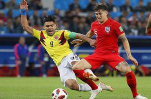 John Stones arremetió contra Colombia.