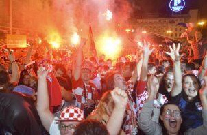 Celebración en las calles de Croacia. Foto EFE