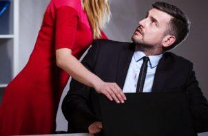 Hablar del acoso de una mujer hacia un hombre no es muy común