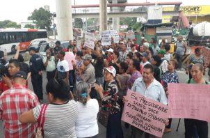 La protesta se extendió hasta las 9:00 a.m. cuando se movilizaron a la Alcaldía. /Foto: Cortesía