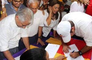 El alcalde José Blandón y el exministro Mario Etchelecu son los principales aspirantes a ser abanderado presidencial del panameñismo.