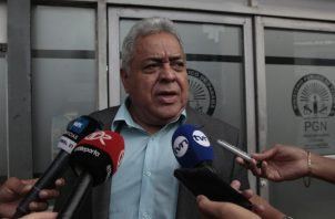 Alejandro Pérez, abogado de Ricardo Martinelli. Víctor Arosemena