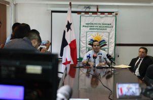 El Mida organizó una conferencia de prensa para explicar su versión sobre la compra de arroz a Guyana. / Foto: Mida.