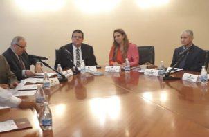 Sesión de la Comisión de Credenciales de la Asamblea Nacional . Foto: Víctor Arosemena