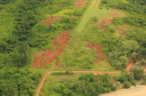 Temen que la pista de aterrizaje en Isla Coiba sea el inicio de otras obras. Foto: Cortesía