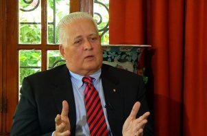 Ernesto Pérez Balladares sumó a el exalcalde Juan Carlos Navarro a su fórmula electoral. Foto/Archivos