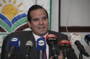 Eduardo Carles, MIDA