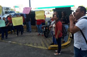 Trabajadores despedidos por Sky Chefs protestaron en el Mitradel