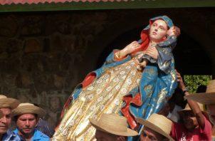 La imagen de Santa María La Antigua ha recorrido el país. /Foto Oriel Concepción