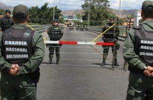 El pasado 21 de agosto Colombia denunció que dos helicópteros y unos 30 militares venezolanos se adentraron en el municipio fronterizo de Tibú, departamento de Norte de Santander (noreste). FOTO/EFE