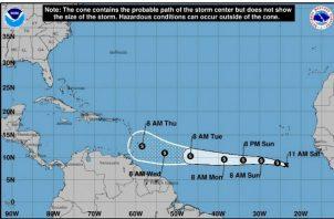 Los vientos máximos de la depresión tropical se encuentran cerca de los 45 kilómetros por hora (30 millas por hora) con ráfagas a veces más fuertes.