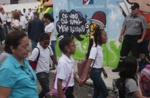 Los estudiantes fueron los primeros en aprovechar las instalaciones del Centro Cultural Metropolitano.