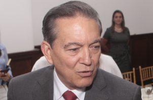 Cortizo volvió a recomendarle ayer al diputado Arias que se separe voluntariamente del cargo.  Foto de Víctor Arosemena