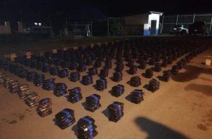 El Senan decomisó 1.2 toneladas de drogas en Punta Mala, provincia de Los Santos.