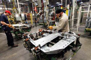 La actividad fabril, el mayor componente en la producción industrial, bajó afectada por la larga huelga de los trabajadores de GM. Foto: EFE.