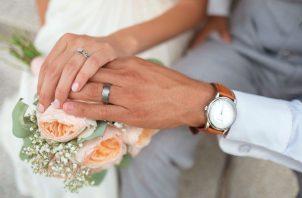 Proponen que solo se reconozca el matrimonio entre un hombre y una mujer.