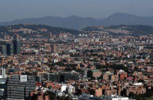 El consorcio APCA Transmimetro, conformado por las empresas chinas Harbour Engineeering Company Limited y Xi'An Metro Company Limited, ganó la licitación para construir y operar la primera línea del metro de Bogotá.