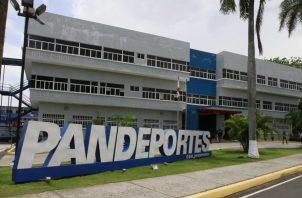 La investigación de esta causa inició de oficio por la nota en un diario de la localidad sobre supuesta malversación de fondos públicos otorgados por Pandeportes a federaciones deportivas.