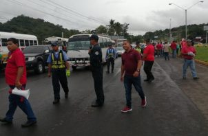 Los transportistas de Panamá Oeste mantuvieron la vía cerrada por una hora.