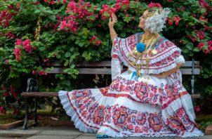 A nivel mundial, la pollera panameña es una de las que más  resalta por sus diseños.