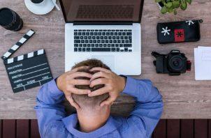 Estrés en el lugar de trabajo, tome el control. Pixabay