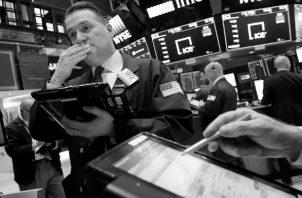 Por el lado financiero el panorama tampoco es brillante. Existen muchos indicios de lo que se conoce como unmomento Minsky,que tiene la capacidad de devenir enuna crisis financiera global. Foto: AP.
