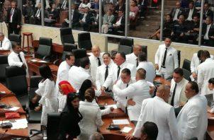 La mayoría de los diputados decidieron aprobar el paquete de reformas enviado por el Ejecutivo.