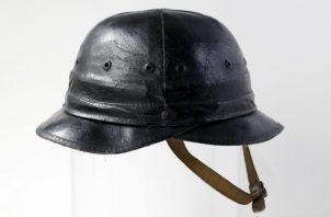 El casco duro Bullard original está inspirado en los cascos de infantería de la Primera Guerra Mundial. Foto/ Luke Sharrett para The New York Times.