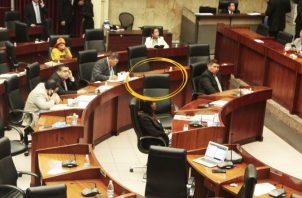 Sigue vacío el puesto del diputado Arquesio Arias, quien no ha habilitado a su suplente, Renilio Martelo. Foto de Víctor Arosemena