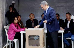 El presidente colombiano subrayó la importancia de la participación ciudadana en las elecciones porque, según dijo, de esa manera se fortalece la democracia.