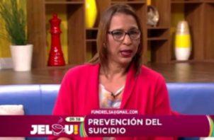 Hablan de la prevención del suicidio.
