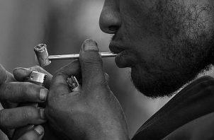"""El 'crack' es una forma de cocaína, fragmentada en pequeños pedazos o """"piedras"""",  barata, sencilla de producir y altamente remunerativa para los traficantes. Foto: EFE."""