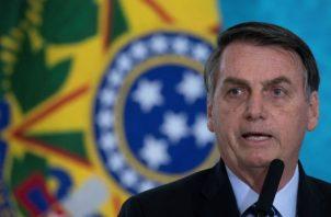 En el video fueron usados recursos tecnológicos para indicar con pequeños letreros que el león es Bolsonaro.